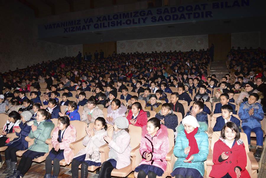 Большое впечатление на зрителей произвели музыкальные выступления учеников